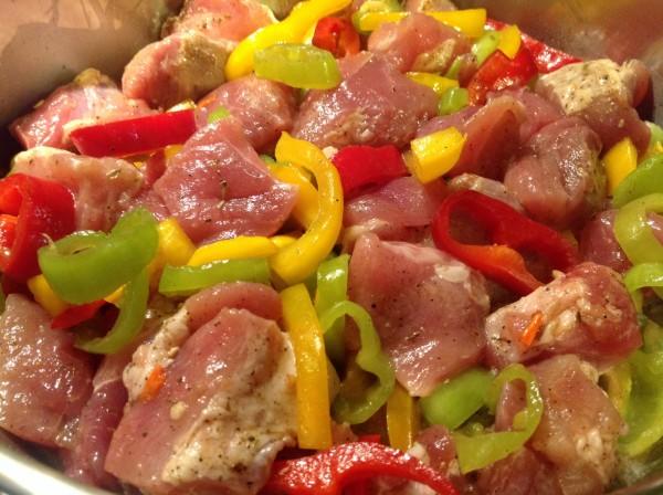 Τηγανιά με πολύχρωμες πιπεριές